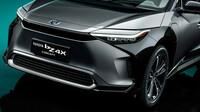 """Toyota bZ4X - namísto klasické masky senzory, světla a aerodynamické prvky v údajně """"žraločí"""" podobě"""