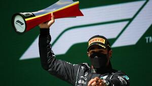 """PROHLÁŠENÍ po závodě: Hamiltonův lov na Verstappena """"Čekal jsem to,"""" říká pilot Red Bullu - anotační obrázek"""