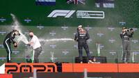 Oslava šampaňským po závodě v Portugalsku