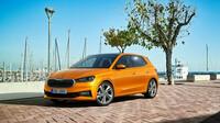 Nová Škoda Fabia 4. generace je větší, modernější, emotivnější. Dynamické proporce a ostře řezané hrany dodávají vozu velmi dynamický, emocionální vzhled.