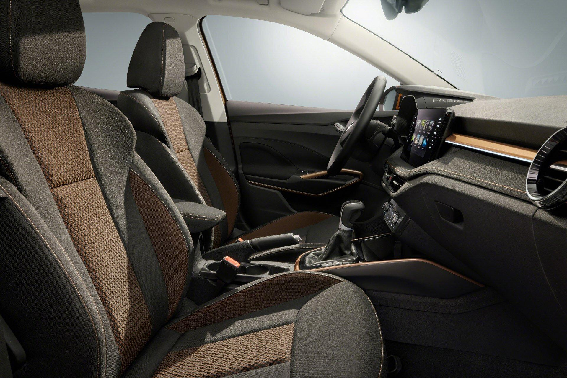 Škoda Fabia - větší navenek, prostornější uvnitř