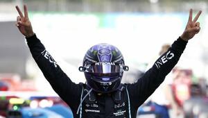 FOTO: Závod v Barceloně - Hamilton kráčí za obhajobou titulu - anotační obrázek