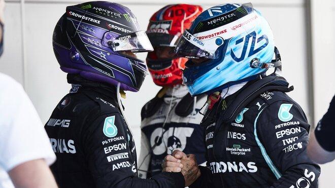 Všechno dobré - nakonec Mercedes dokázal to nejdůležitější, vyhrát závod.