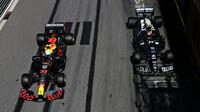 Max Verstappen a Pierre Gasly při čtvrtečním tréninku v ulicích Monaka