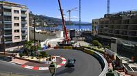Sebastian Vettel při čtvrtečním tréninku v ulicích Monaka