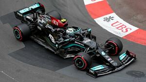 I druhý trénink pro Bottase. Verstappen odstartuje z konce pole - anotační obrázek