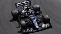 Juki Cunoda v závodě v Monaku
