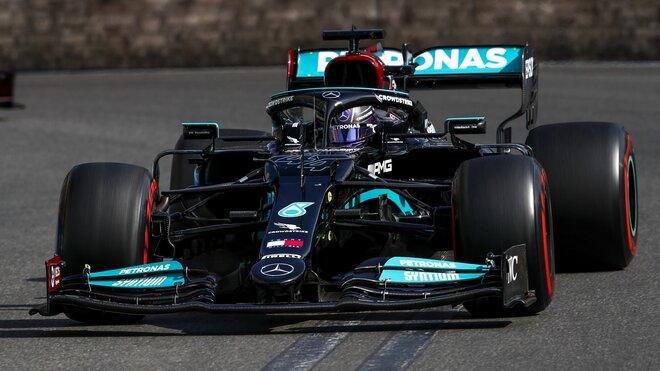 Lewis Hamilton - závod v Baku