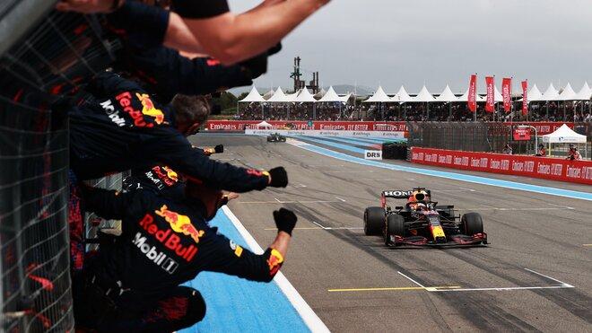 Max Verstappen v cíli - závod ve Francii