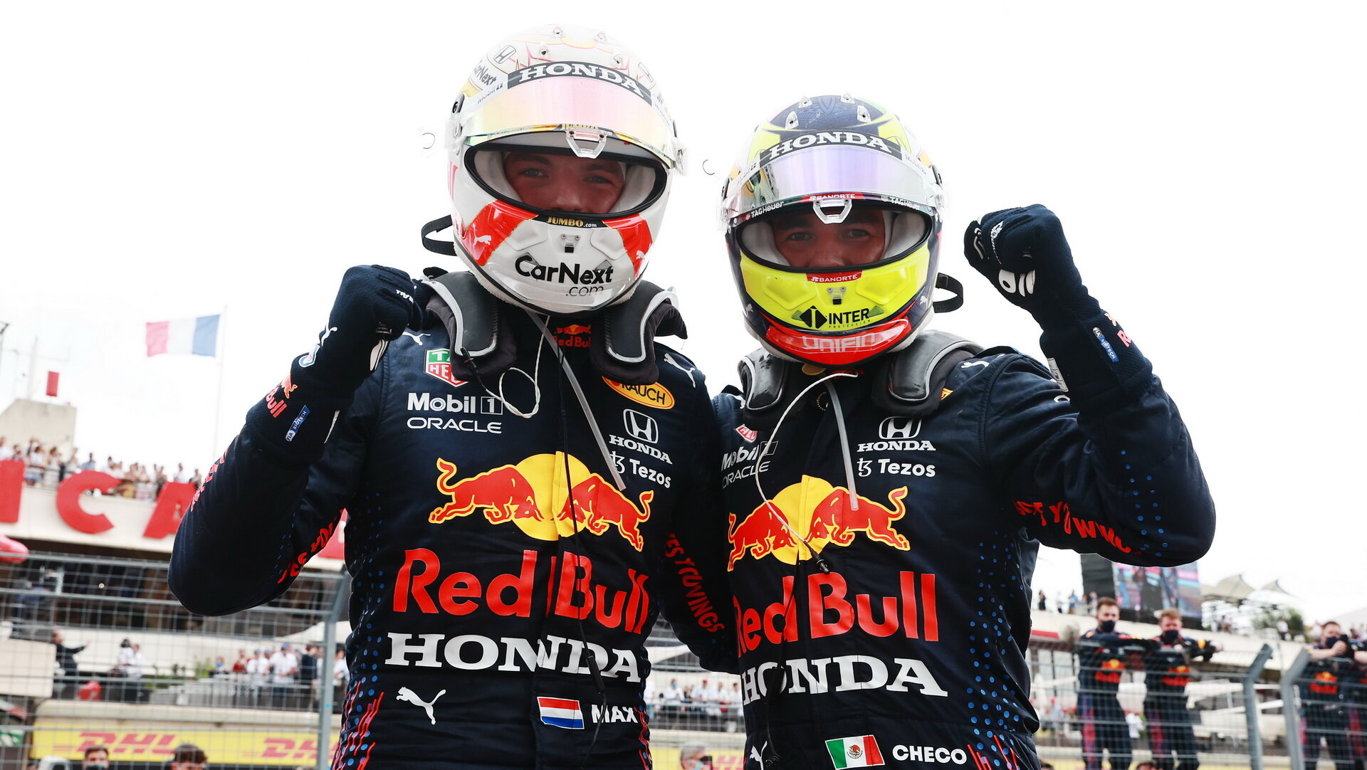 Max Verstappen a Sergio Pérez po úspěšném závodě ve Francii