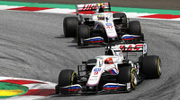 Nikita Mazepin a Mick Schumacher - závod v rakouském Štýrsku