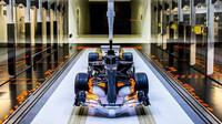 60% model F1 vozu Mercedesu v aerodynamickém tunelu