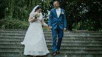Novomanželé David a jeho krásná Anička