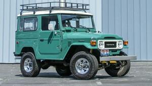 Chtěli by jste soukromý vůz Forresta Gumpa? Toyota FJ40 Tama Hankse jde do dražby - anotační obrázek