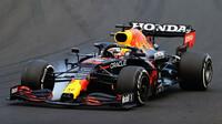 Max Verstappen probrzdil v závodě v Maďarsku