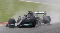 Lewis Hamilton v nešťastné Belgii, kde byl klasifikován jako třetí za Georgem Russellem