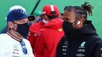 Valtteri Bottas a Lewis Hamilton při prezentaci před závodem v Holandsku