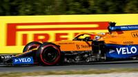 Daniel Ricciardo v závodě v Holandsku