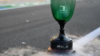 Trofej Maxe Verstappena po závodě v Holandsku