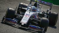 Mick Schumacher v závodě na Monze