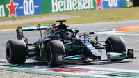 Lewis Hamilton v závodě na Monze