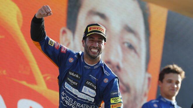Nadšení Daniela Ricciarda na pódiu