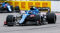 Fernando Alonso v závodě v Soči