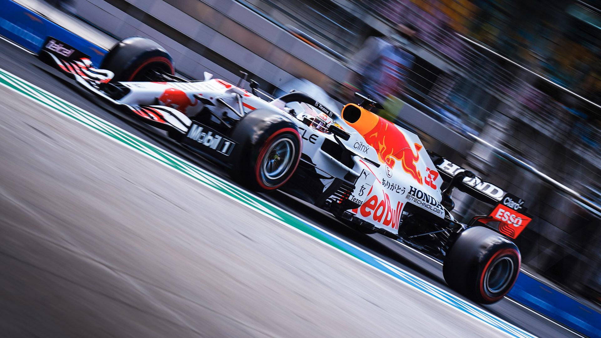 Max Verstappen navýšil svůj odstup v šampionátu