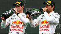 Max Verstappen a Sergio Pérez po úspěšném závodě v Turecku