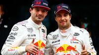 Max Verstappen a Sergio Pérez poté, co se oba dostali v Turekcu na pódium