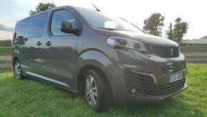 Test: Peugeot e-Traveller, hotelový dostavník - anotační obrázek