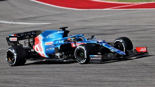 Fernando Alonso s Alpine A521 v Austinu